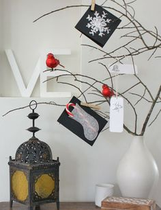 Make a Christmas card display for Christmas cards this season. This Christmas craft is an easy activity and looks great with Christmas decorations. Christmas Card Display, Christmas Card Holders, Christmas Photos, Christmas And New Year, Christmas Time, Christmas Crafts, Christmas Decorations, Christmas Wishes, Simple Christmas
