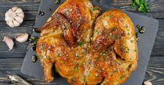 Ингредиенты курица 2 кг чеснок 8 зубчиков кинза 20 г соль 1 ст.л. перец 1 ч.л. хмели-сунели 1 ч.л. паприка 1 ч.л. вода 230 мл Приготовление 1. Для приготовления курицы по-аджарски потребуется: курица, соль, черный молотый перец,