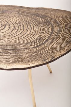 sharon sides - lean coffee table - A Interior Design Wood Furniture, Furniture Design, Furniture Online, Antique Furniture, Deco Nature, Interior And Exterior, Interior Design, Wood Design, Wood Art