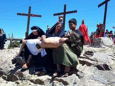Celebra Cristo Rey sobrecogedora escenificación de la crucifixión de Cristo | El Puntero
