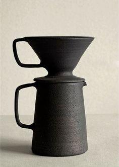 Takeshi Omura, Ceramic Pour-Over Coffee Pot, 2013 Ceramic Clay, Porcelain Ceramics, Ceramic Pottery, Porcelain Tiles, Slab Pottery, Fine Porcelain, Coffee Set, Coffee Cups, Coffee Maker