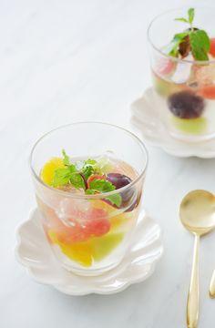 しゅわしゅわレモンゼリー by 川崎利栄 「写真がきれい」×「つくりやすい」×「美味しい」お料理と出会えるレシピサイト「Nadia | ナディア」プロの料理を無料で検索。実用的な節約簡単レシピからおもてなしレシピまで。有名レシピブロガーの料理動画も満載!お気に入りのレシピが保存できるSNS。