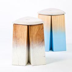 """Le designer basque Florent Degourc présente à NOW! Le off lors de la Paris Design Week 2013 le tabouret """"Tchancayres"""". Laqué de blanc ou de bleu sur sa base, le tabouret dégage une étonnante impression de légèreté malgré ses matériaux massifs et rustiques."""