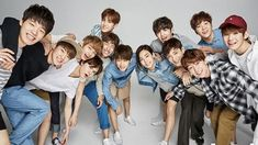Boyband Rookie SEVENTEEN Umumkan Warna Resmi Fandom Mereka!