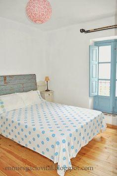 Rustic bohemian master bedroom. Full of light in my rural house Casa Mosaico. Nigüelas. Granada. Spain. http://casamosaico.wix.com/granada