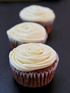 Low-fat Carrot Cupcakes using Homemade Applesauce