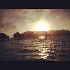 Phoneography Challenge: Sunset in Bora Bora!  @Photojojo   @Brit Morin