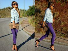 Denim shirt - Mango     Jeans - Bershka     Necklace - Lovelix     Belt - Second hand     Heeled sandals - Mango      Sunglasses - H     Watch - Asos     Bag - Stradivarius     Bracelets - Flea market