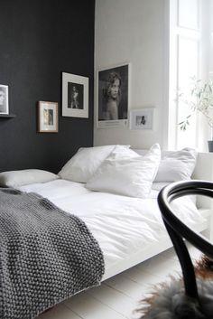 Bed | whitegrey