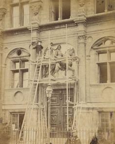 Démolition de la statue de Henri IV - Photographies d'après nature sous la Commune de Paris, du 18 mars au 21 mai 1871 / par Léautté