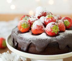 Close up pure chocoladetaart Dessert Blog, Dessert Recipes, Desserts, Dessert Ideas, Love Food, Sweet Recipes, Nom Nom, Sweet Tooth, Food Photography