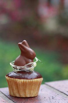 Simple Spun Sugar Nests {Easter Cupcakes} | Yummy Mummy Kitchen | A Vibrant Vegetarian Blog