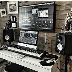 Trendy Home Studio Setup Music Ideas Music Studio Decor, Home Recording Studio Setup, Home Studio Setup, Studio Desk, Configuration Home Studio, Home Studio Musik, Home Music Rooms, House Music, Office Music