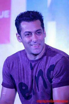 Handsome Celebrities, Most Handsome Men, Salman Khan Photo, Shahrukh Khan, Salman Khan Wallpapers, Randeep Hooda, Movie Teaser, Smart Boy, Aishwarya Rai Bachchan