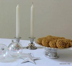 Bolachas de gengibre e muitas outras bolachas e biscoitos para o Natal e outras ocasiões.