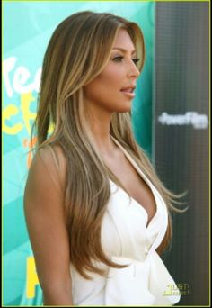 Brown Hair Color with Golden Highlights For Girls 2012 Trends kim kardashian Brown blonde Hair Highlights 2012 – Trend Fashion Design 2012 Dark Blonde Hair Color, Blonde Hair With Highlights, Brown Blonde Hair, Light Brown Hair, Brown Hair Colors, Golden Highlights, Caramel Highlights, Golden Blonde, Hair Colour