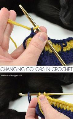 Learn how to change colors in crochet.༺✿ƬⱤღ  http://www.pinterest.com/teretegui/✿༻