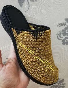 Crochet Sandals, Crochet Bear, Crochet Slippers, Smocking Patterns, Crochet Patterns, Make Your Own Shoes, Crochet Flip Flops, Crochet Slipper Pattern, Spring Boots