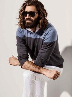 Esta temporada Etiqueta negra presenta un nuevo estilo más descontracturado. Noto influencias del actor Joaquin Phoenix y un poco del estilo de Justin timberlake. ¡Me encantan estos looks!