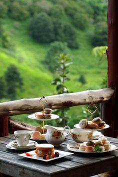 Buon giorno colazione, caffè, tea, macaroons