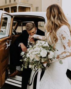 Jordy B Photo - Washington wedding photographer. photography. wedding  details. vintage car wedding e0036cb06