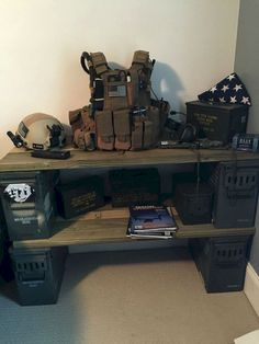 Most Wonderful Army Bedroom Design Ideas - Decor Home Boys Army Bedroom, Military Bedroom, Army Room, Boy Bedrooms, Armas Airsoft, Camo Rooms, Ultimate Man Cave, Gun Rooms, Ammo Cans