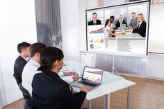 Realizar videoconferencias se ha vuelto una actividad enriquecedora e incluso necesaria para el desarrollo de cursos de formación en red debido, entre otras cosas, a la cercanía que permite y