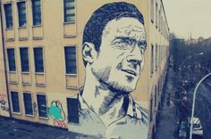 Francesco Totti, the gladiator of Rome Street House, Street Art, Gladiators Of Rome, As Roma, Living Legends, Urban Art, Wall Murals, Graffiti, Eye Candy