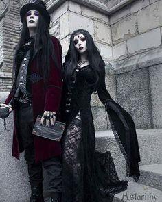 Vampire Royalty 😈🖤 🦇 Co-mode Alternative Outfits, Alternative Fashion, Dark Fashion, Gothic Fashion, Dark Romance, Estilo Dark, Goth Glam, Gothic Culture, Goth Subculture