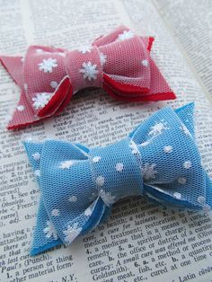 Felt Bow Hair Clip - Snowflake, Winter, Christmas, Holiday. $4.50, via Etsy.