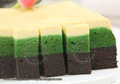 HomeKreation - Kitchen Corner: Kek Belacan Lumut Cheese