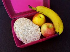 Nati jest fit!: 8 pomysłów na zdrowe drugie śniadanie do szkoły / pracy Lunch Box, Apple, Chicken, Fruit, School, Food, Apple Fruit, The Fruit, Bento Box
