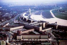 Berlin: Flughafen Tempelhof-Hauptgebaeude am 1.6.1983