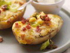 Überbackene Kartoffeln mit Käse und Speck ist ein Rezept mit frischen Zutaten aus der Kategorie Wurzelgemüse. Probieren Sie dieses und weitere Rezepte von EAT SMARTER!