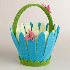 Osterkörbchen mit kleinen Schmetterlingen - Figuren dekoriert