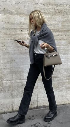 Winter Fashion Outfits, Fall Winter Outfits, Autumn Winter Fashion, Autumn Fall, Fashion Pants, Mode City, Outfit Invierno, Fashion 2020, Fashion Trends