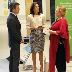 "Wednesday morning, Crown Prince Frederik and Crown Princess Mary arrived for Women Deliver Global Conference at the Bella Center. Crown Prince gives a speech about the importance of physical activity and allowing men and women equal access to take part in sport. Crown Princess, together with CEO for The Mary Foundation Helle Østergaard, met with 15 young to talk about the conference, outputs and contributions. Dutch Queen Maxima and Princess Mabel attended the ""Women Deliver Conference"" in…"