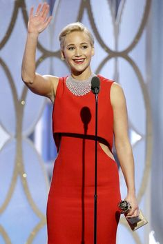 5 Hilarious Things Jennifer Lawrence Said Backstage at the Globes