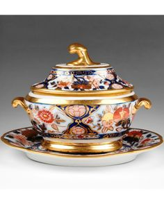 1820 Chamberlain Worcester Imari Pattern Sauce Tureen With Stand  Cover