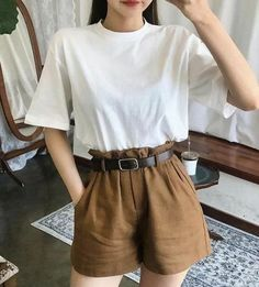 The 8 Best Tips On Clothes For Skinny Girls - Beste Klei . - The 8 best tips on clothes for skinny girls – Beste Kleidung für skinny girl … - # Mode Outfits, Korean Outfits, Retro Outfits, Vintage Outfits, Girl Outfits, Casual Outfits, Vintage Shorts, Teenager Outfits, Dress Vintage