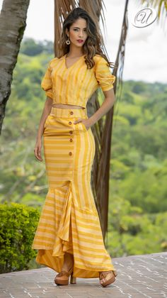 Skirt Outfits, Cool Outfits, Hijab Fashion, Fashion Dresses, Yellow Clothes, Vetement Fashion, Gowns Of Elegance, Western Dresses, Outfit Combinations