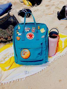 Shop your Kanken bag or backpack from the official Fjallraven US online store. We have Kanken mini, re-Kanken and the original, iconic Kanken bag Mochila Kanken, Kanken Backpack, Beach Aesthetic, Summer Aesthetic, Blue Aesthetic, Scrunchies, Aesthetic Backpack, Vsco Pictures, Disney Pins