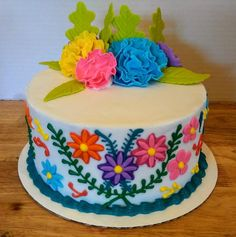 Fondant Mexican fiesta birthday cake with fondant and royal icing accents. Mexican Themed Cakes, Mexican Fiesta Cake, Mexican Party, Mexican Cakes, Mexican Fiesta Decorations, Cupcakes, Cupcake Cakes, Lilo E Nani, Mexican Birthday Parties
