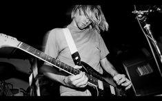 Kurt Cobain with Fender Mustang.