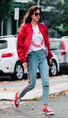 How To Wear Red Sneakers Street Style Outfit 47 Ideas Red Sneakers Outfit, Dress With Sneakers, Jeans Style, Shirt Style, Bomber Jacket Outfit, Jacket Jeans, Sneakers Street Style, Shoes With Jeans, Fashion Outfits
