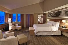 The Westin Snowmass Resort and Wildwood Snowmass have more than 400 guest rooms and can accommodate weddings of up to 1,100 guests