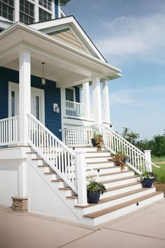 porch - good handrail, cool steps