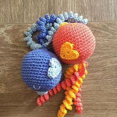 Ik heb tegenwoordig een nieuwe bestemming voor de restanten draad van mijn grote projecten: ik haak Earlybirds voor het gelijknamige initiatief voor te vroeg geboren kindjes! #crochet #crochetaddict #amigurumi #yarn #haken #handwerk #crochetersofinstagram #handmade #virka #crafts #crafting #häkeln #heelhollandhaakt #hakeniship #hiphaken #hekle #virka #virkat #hakeln #uncinetto #yarnporn #örgü #croché #tejer #hipmetdraad