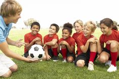 Para fomentar el deporte y el ejercicio, también podemos compartir con ellos la actividad física, para que no lo vean como una imposición por nuestra parte.