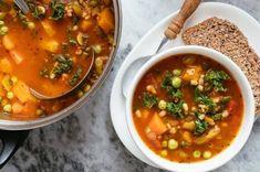 Copycat Recipes, Soup Recipes, Cooking Recipes, Olive Garden Minestrone Soup, Frozen Green Beans, Soup Mixes, Stuffed Pasta Shells, Vegetarian Soup